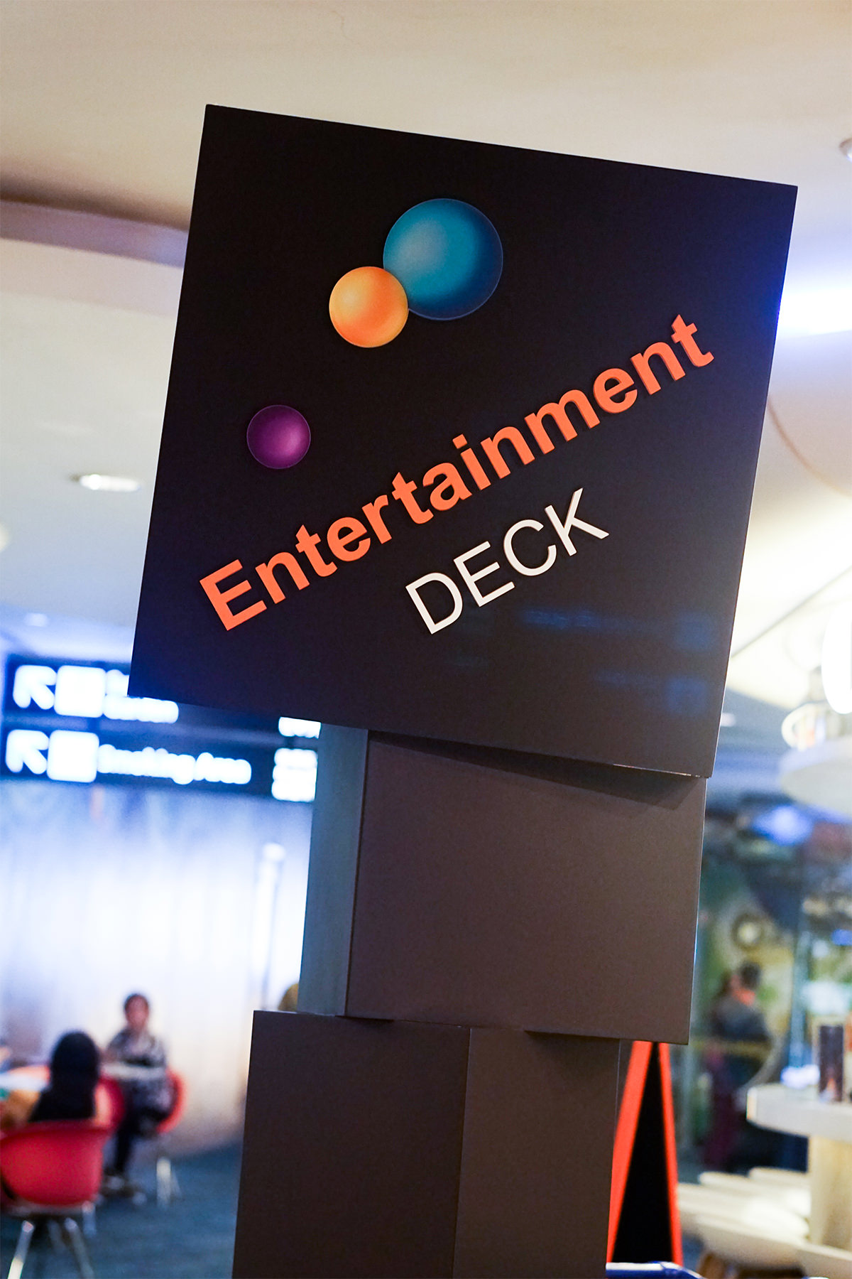 What: Entertainment Deck<br>Where: Terminal 2 Departure Transit Hall, Level 3