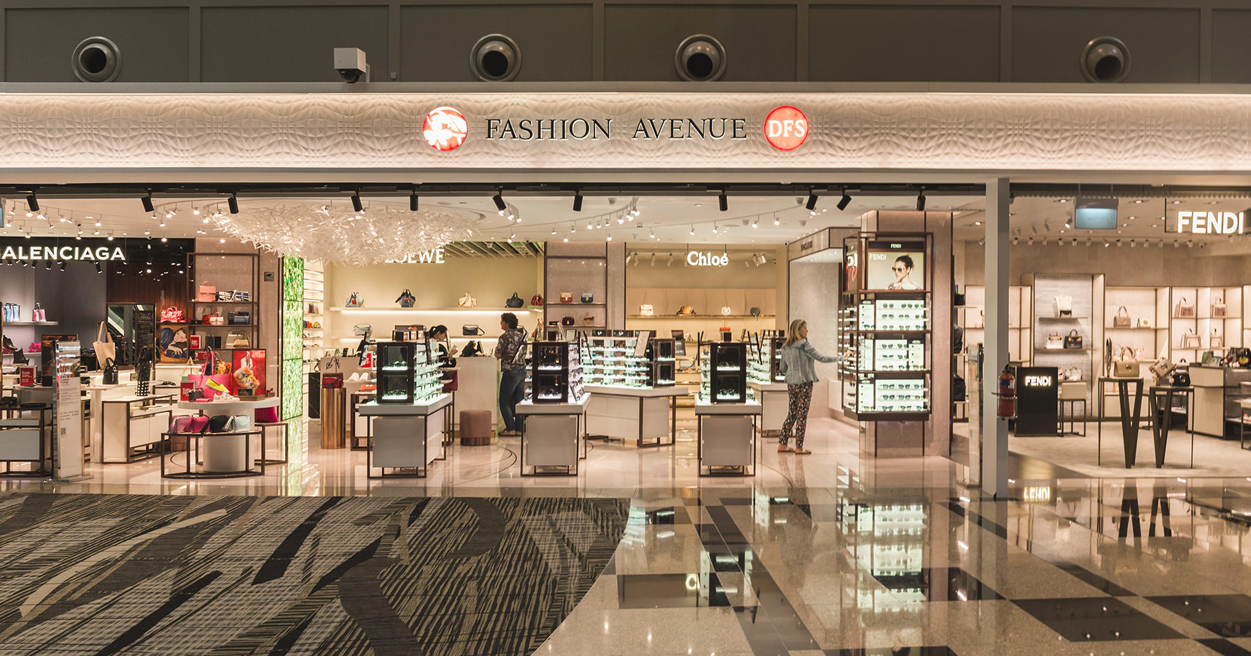 What: Fashion Avenue<br>Where: Terminal 3 Departure Transit Hall, Level 2