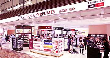 Cosmetics and Perfumes store in Changi Terminal