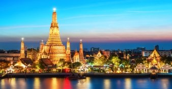 Fly from Melbourne to Bangkok